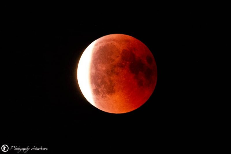 Teaserbild, Verlinkung zum Artikel: Mondfinsternis 2019