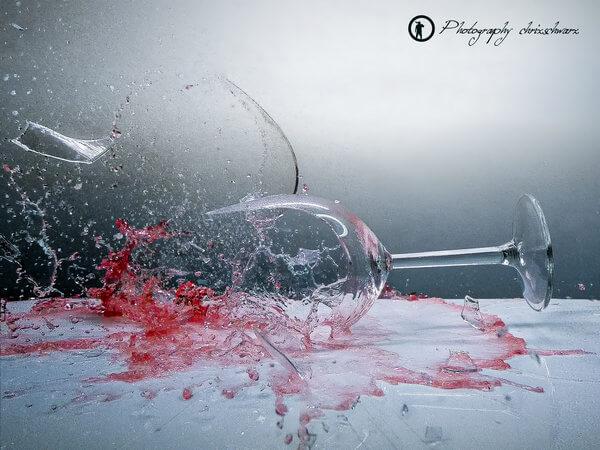 Teaserbild, Verlinkung zum Artikel: Das zerbrechende Weinglas – Highspeed-Fotografie